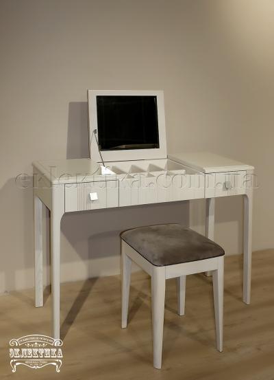 Будуарный стол Домино с зеркалом Серия